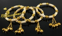 TRADITIONAL LOOK PEARL 4 PIECES BANGLE