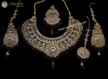 TRADITIONAL LOOK POLKIE STONES WITH GAJRA BEATS BRIDAL SET