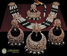 STYLISH TRADITIONAL LOOK POLKIE STONES WITH GOLDEN BASED NECKLACE SET