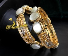 GOLD PLATED ZIRCON SEMI PRECIOUS STONES BANGLE