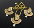 TRADITIONAL LOOK GOLDEN BASED PEARL PENDANT SET