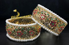 HYDERABADI DESIGN GOLDEN BASED SEMI PRECIOUS STONES BANGLE