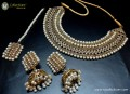 DECENT LOOK GOLDEN ANTIQUE BASED NECKLACE SET