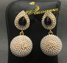 BEAUTIFUL DESIGN GOLDEN BASED PEARL INDIAN EARRING