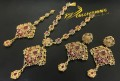 TRADITIONAL LOOK GOLD PLATED ZIRCON & POLKIE STONES NECKLACE SET
