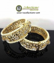 GOLDEN BASED HYDERABADI DESIGN PAIR BANGLE