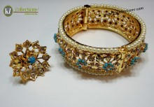 STYLISH GOLDEN BASED HYDERABADI BANGLE WITH MATCHING RING