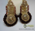 TARDITIONAL LOOK WITH GOLDEN BASED GAJRA BEATS EARRING