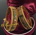 TRADITIONAL LOOK PAIR BANGLE